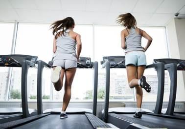 Pesquisa: 26% das pessoas engordam quando entram na academia